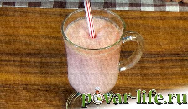 малиновый молочный коктейль