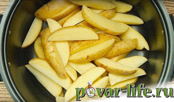 Картофель по деревенски в мультиварке