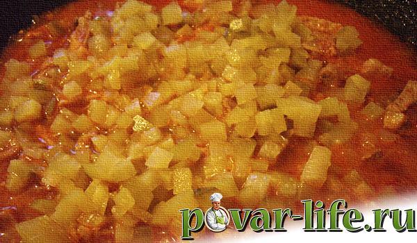 Азу из свинины с солеными огурцами
