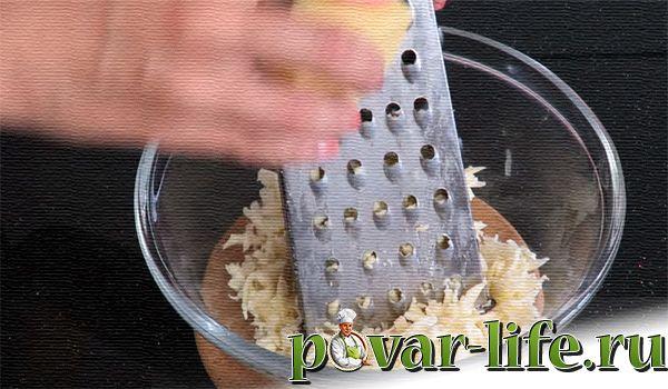 Кутабы с зеленью и сыром на сковороде