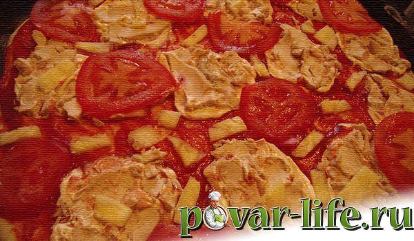 Пицца домашняя с курицей и ананасами