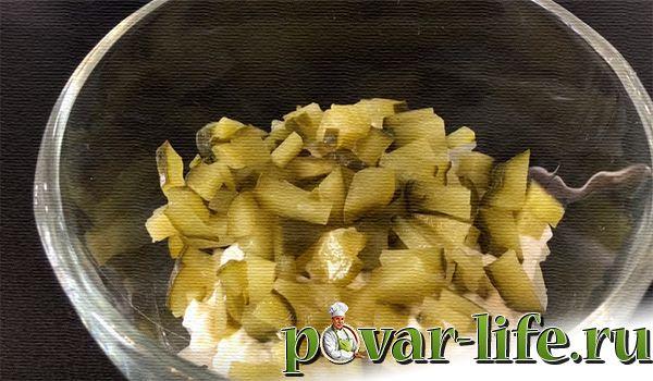 """Праздничный салат """"Прага"""" с черносливом"""