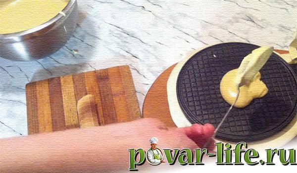 Хрустящие вафельные трубочки со сгущёнкой