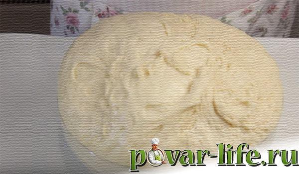 Сдобный пирог с вареньем