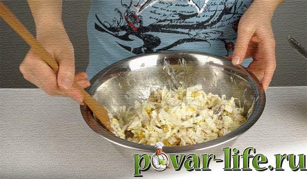 Лёгкий салат с курицей и пекинской капустой