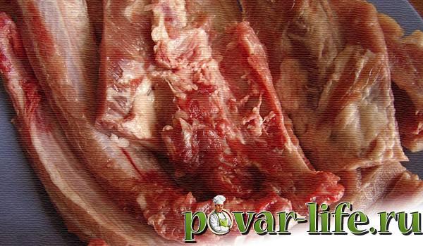 Свиные ребрышки тушеные «пальчики оближешь»