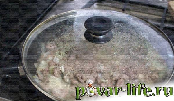 Нежные куриные сердечки в сметанном соусе