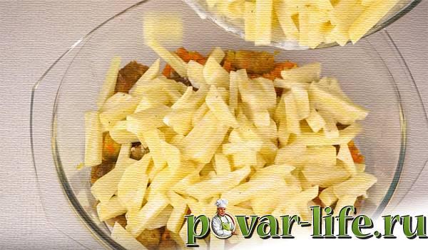 Запечённая картошка с мясом в духовке